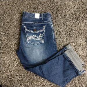 Maurice's denim capris sz 7/8 embellished pockets
